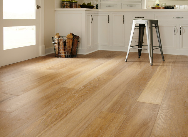 Reasons Why Oak Hardwood Flooring Is Perfect For Your Kitchen - Top ...